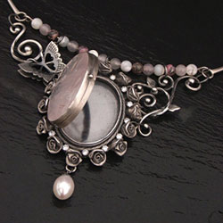 Julia Thompson, craft&design Selected Silver Award 2012: Jewellery & Precious Metals